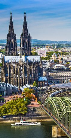 Germany Travel Inspiration - Amazing View of Cologne Cathedral, Germany Places Around The World, Oh The Places You'll Go, Places To Travel, Places To Visit, Around The Worlds, Wonderful Places, Beautiful Places, Cologne Germany, Voyage Europe