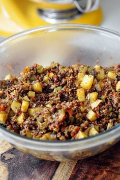Beef &Potato Empanada-Filling I think I will make a 2 crust pie instead of the empanada. Fatayer, Breakfast And Brunch, Beef And Potatoes, Keto, Comida Latina, Latin Food, Beef Dishes, Mexican Dishes, Ground Beef Recipes