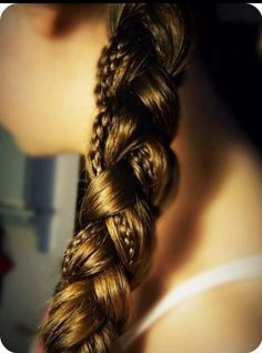 A braid within a braid. So should've tried this before my haircut :/