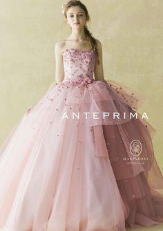 ふんわりシルエットでお腹を優しく隠す♡ マタニティ用のピンクカラードレス。ウェディングドレス・花嫁衣装まとめ。 Couture Dresses, 15 Dresses, Evening Dresses, Fashion Dresses, Pink Wedding Dresses, Bridal Dresses, Stunning Dresses, Pretty Dresses, Quinceanera Dresses