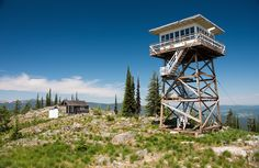 Jack Kerouac spent 63 days during the summer of 1956 as a fire lookout on Washington's Desolation Peak. It would be thewriter's last truth-seeking adventure before he found fame with On the Road and began his demise intoalcoholism and mental instability. He had been assigned torecord aircraft sig