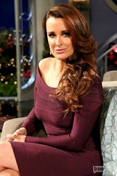 Love Kyle Richards classic style! Beautiful color