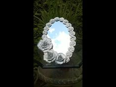 Decorando un espejo con botellas de plastico.Decorating a mirror with plastic bottles - YouTube