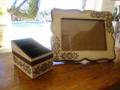 Kit de porta controle com três e porta retrato todo trabalhado em marfim e marron.