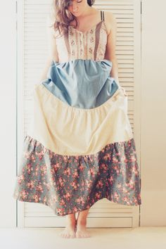 TUTORIAL Tiered Maxi Dress: I'll use the bodice pattern from another pattern and then follow her directions for making the tiers. I'll also add a zipper at back.