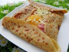 Mmm there is nothing like a crepe stuffed with cheese, ham, and a sunny side up egg! Classic Parisian street food :)