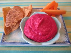 red-beet-white-bean-hummus... this is soooo yummy!!!