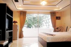 The Majestic Jomtien Condominium, Located in Jomtien. Offer New Renovated Studio-1 Bath, Total Size 32 Sqm. Fully Furnished with Nice Decorated, Fitted Counter Sink, Refrigerator, Coffee Table, TV, Air Con, Celling Fan, Balcony, Internet Access Via Wireless or ADSL, Parking, 24 hours Security,  http://www.towncountryproperty.com/condos/jomtien-condo-19462.html