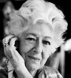 † Ellen Vogel (93) 05-08-2015 De grande dame van het Nederlandse toneel.