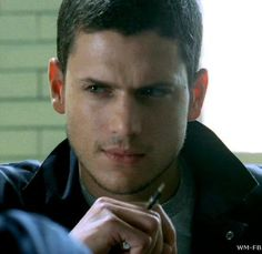 Wentworth Miller as Michael Scofield in Prison Break Michael Scofield, Wentworth Miller Prison Break, Michael And Sara, Leonard Snart, Dominic Purcell, Nerd, Best Actor, Gorgeous Men, Beautiful People