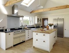 Cottage kitchen ideas old country style kitchen ideas country White Cottage Kitchens, Grey Kitchens, Country Kitchens, White Farmhouse, Farmhouse Style, Interior Design Kitchen, Kitchen Decor, Kitchen Ideas, Rustic Kitchen