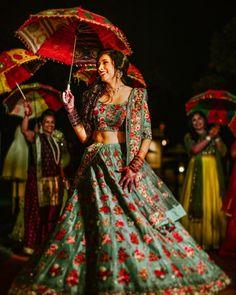 74) Beautiful sea-green lehenga embroidered with roses motifs! Floral Lehenga, Lehenga Skirt, Blue Lehenga, Lehenga Choli, Choli Designs, Blouse Designs, Simple Sarees, Indian Bridal Lehenga, Sexy Blouse