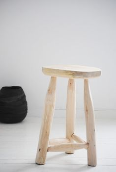 wooden stool from bodieandfou.com