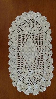 The Snow is Dancing pattern by Darma Bregoli Crochet Eyes, Crochet Cap, Crochet Stars, Crochet Diagram, Love Crochet, Filet Crochet, Crochet Potholders, Crochet Cushions, Crochet Tablecloth