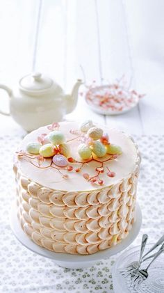 Paastaart met botercrème - Libelle Lekker Beautiful Words Of Love, Easter Recipes, Easter Food, Cookie Desserts, Panna Cotta, Bakery, Cupcakes, Cookies, Breakfast