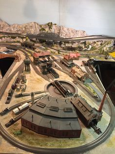 Ho Train Track, Train Tracks, N Scale Model Trains, Scale Models, Diorama, Lionel Trains Layout, Ho Train Layouts, Escala Ho, Model Railway Track Plans