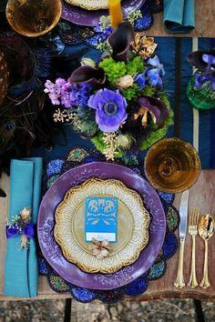Tablescape with depth blue  purple l setting en tonos morado y azules intensos