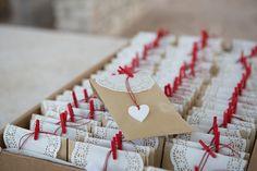 Μπομπονιέρα γάμου με ξύλινη καρδιά