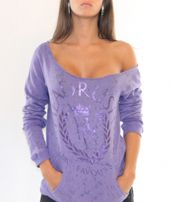 Tell me this purple cut off sweaters not HOT Diy Sweatshirt, Love Sewing, Boat Neck, Diy Clothes, Tie Dye, Sweatshirts, My Style, Mma, Diy Clothing