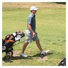 Even the best in the world use golf carts when walking the course ⛳️⛳️⛳️⛳️⛳️⛳️⛳️⛳️⛳️ #jordan #spieth #jordanspieth #instapic #melbournegolfclub #melbourne #melbournegolf #golf  #golfer #golfday #golfpro  #golfcart #cart #walk #golfc#golfcourse #dappergolfer #dapperman #dapper #underarmour #underarmourgolf #walking #best #world