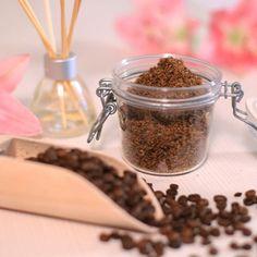Fantasztikus kávés bőrradír -Takács Nóra-    NORIE