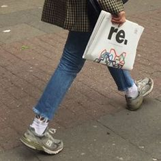 fs jeans + plaid jacket + sneakers