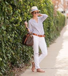 Many of us think of tunics solely as beach cover-ups, but rest assured, they are absolutely perfect for daywear. Tucked in, tied in a knot, or just free-flowing, the tunic is the perfect summer topper for skinny jeans, shorts, and maxi skirts.