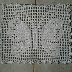 Mariposa Crochet Bib, Baby Afghan Crochet, Crochet Blocks, Crochet Purses, Crochet Squares, Crochet Granny, Crochet Doilies, Crochet Stitches, Free Crochet