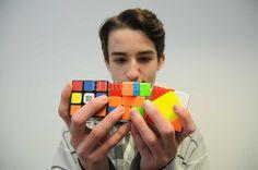 El genio del Cubo Rubik