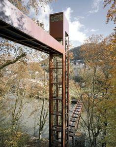 Leuppi Schafroth - Pedestrian tower and bridge, Baden 2007. Photos (C) Roger Frei.
