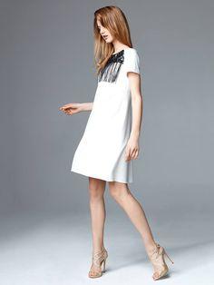 złote sandały na szpilce Apia 6046 sukienka Taranko