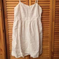 White American Eagle Dress Adjustable straps and only worn twice!! American Eagle Outfitters Dresses