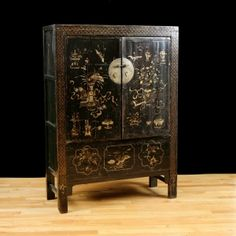 Antique Chinese Qing Cabinet with Original Polychrome & Lacquer (Sold) Japanese Furniture, Oriental Furniture, Antique Furniture, Antique Chest, Antique Cabinets, Cabinet Making, Asian, Traditional Furniture, Chinoiserie