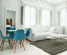 French By Design: Friday mix : a pinch of blue