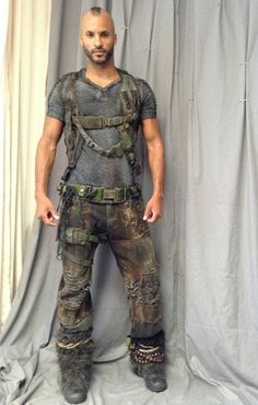 Kuvahaun tulos haulle the 100 tv series costumes