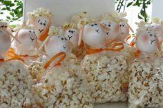Ovelha de pipoca Grains, Party, Food, Decoration, Popcorn Balls, Souvenir Ideas, Lamb, Creativity, Craft