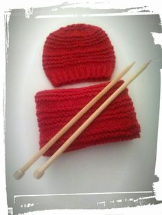Comment tricoter bonnet et double snood au point de godron ? Easy Knitting Patterns, Free Knitting, Knitting Projects, Shawl Patterns, Crochet Baby Shoes, Double Knitting, Simple Knitting, Knitted Shawls, Baby Hats