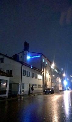 #cityvarasto #iltahämärässä Helsinki, Mansions, House Styles, Home Decor, Decoration Home, Room Decor, Fancy Houses, Mansion, Manor Houses