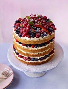 Naked Cake com frutas vermelhas e recheio de creme - Amando Cozinhar - Receitas, dicas de culinária, decoração e muito mais!