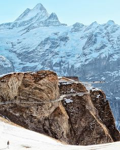 That view. What a fantastic day for a walk! . Just opened last year, Grindelwald First Cliff Walk gives you a magnificent view of the Alps, make sure you hike to the beautiful lake Bachalpsee. Grindelwald Switzerland. . Have a brilliant weekend everyone.