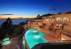 The Villa Mar Vista Estate, Laguna Beach, California Laguna Beach, Newport Beach, Foreclosed Homes For Sale, Future House, My House, Multi Million Dollar Homes, Architecture Design, Creative Architecture, Cool Pools