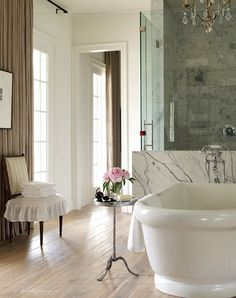 French Bathroom. Beautiful French #Bathroom.