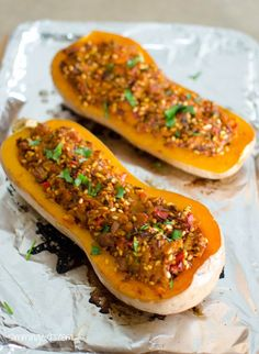 Slimming Eats Butternut Squash Stuffed with Spicy Chicken and Rice - gluten free, dairy free, vegetarian, Slimming World and Weight Watchers friendly Slimming World Dinners, Slimming World Diet, Slimming Eats, Slimming World Recipes, Wrap Recipes, Clean Recipes, Diet Recipes, Cooking Recipes, Healthy Recipes