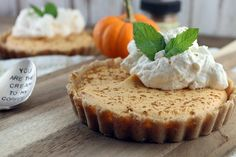 Keto No Bake Pumpkin Pie Cheesecake - These little morsels are a mixture between a cheesecake and a mousse. This pumpkin pie cheesecake is no-bake and can be made mini or full size. No Bake Pumpkin Cheesecake, Sugar Free Cheesecake, No Bake Pumpkin Pie, Baked Pumpkin, Pumpkin Recipes, Cheesecake Recipes, Dessert Recipes, Cheesecake Tarts, Pumpkin Puree