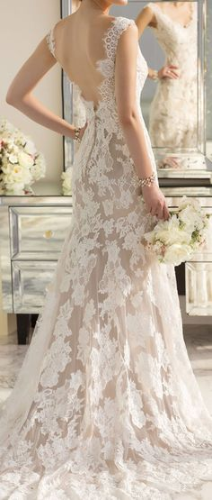 Beautiful lace with an almost dual-tone to really make it pop. Not sure if I'd want lace ALL over but it's a beautiful statement  pronoviasweddingdress.com