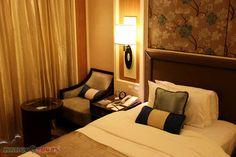 . Bed Runner, Shangri La, Mango, Hotels, Tours, Furniture, Home Decor, Manga, Interior Design