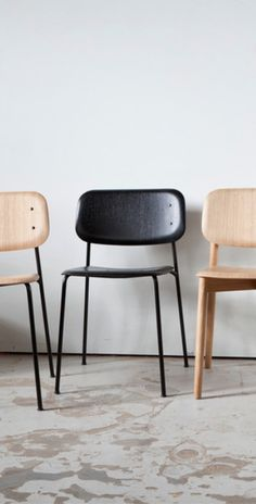 The Hay Soft Edge Chair was created by Iskos-Berlin with a softly shaped seat and back where all the edges face away from the body.