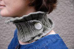 tudora neckwarmer handknit by julia of minecreations for claire (clumsybird)