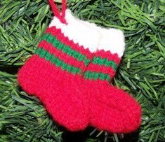 These Mini Knit Stocking Ornaments are great for hanging on your tree this holiday season. These cute knit ornaments would also make adorable gift tag embellishments. Use up all that leftover yarn with this cute knit project!