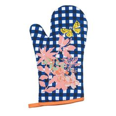 The Savannah Blooms Collection: from floral plateware and patterns that pop, treat guests to a charming afternoon.The festive floral-gingham print makes this oven mitt a decorative piece in your kitchen. Avon Outlet, Valentines Day Holiday, Oven Glove, Spring Trends, Repurposed Furniture, Savannah Chat, Cool Kitchens, Decor Styles, Avon Mark
